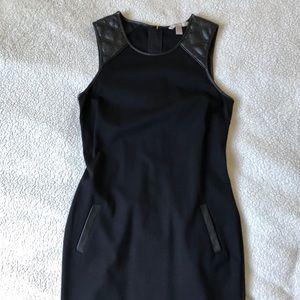 Mini/midi dress with pockets
